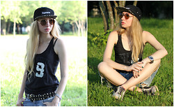 Valeria Shelomkova - Supreme Cap, Ltb Top, Mango Belt, Carnaby Sneakers - Leopard over the head