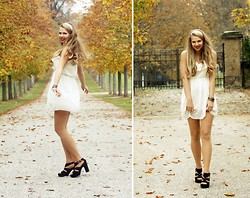 Elaine Storm - Vintage Black Heels, Vintage White Dress - Dress me up!