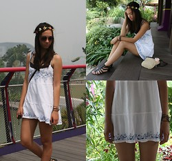 Bella WaterLily - Claires, Tom Taylor, H&M, Hollister - Summer in Singapore