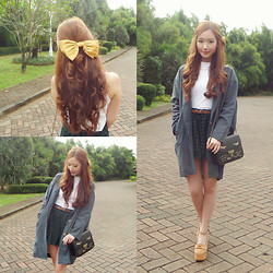 Elle Yamada - Gowigasa Grey Oversized Coat, June And Julia Mustard Heels - The Girl with the Yellow Hair Bow