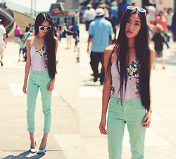Jennifer Wang - Lulu*S White Retro Sunglasses, Lulu*S Anchor Necklace, Lulu*S Magnolia One Piece, Lulu*S Mint Jeggings, Lulu*S Mint Pumps - BOARDWALK