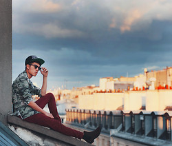 Mike Quyen - Mepcy Camo Blazer, Choies Cap, H&M Chelsea Boots - On top of Paris