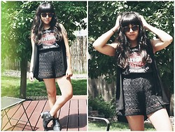 Felicia Renee - Harley Davidson Tee, Vintage Knitted Shorts, Jeffrey Campbell Ankle Boots With Cut Outs - Something is Not Right With Me