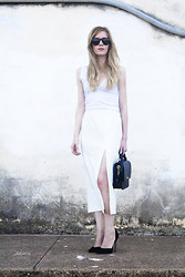 Catherine P - Asos White Slit Skirt, J.Crew Edie Handbag - All white