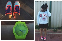 Brrrrrr Rr - Nike Air Hyperfuse, Lime Watch, Usc Sweaters, Black Basic Jumpsuit - USC in style