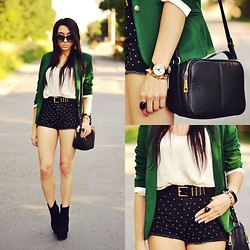 Pam S - Romwe Shorts, Sheinside Jacket, Oasap Boots, H&M Belt, Madcat Watch - Polka dots shorts