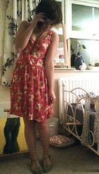 Alice Marie - Charity Shop Floral Dress, Wijikura Hand Painted Necklace, Topshop Woven T Bars - RECOVERING