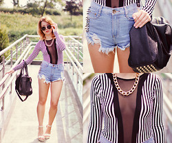 Wioletta Mary Kate - Sheinside Shorts, Omgfashion Body, Modekungen Bag, Chicnova Shoes - Transparent Body With Stripes