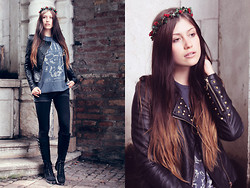 Jacky Siren - Manousche Flower Crown, Zara, Vintage Boots - Chemistry of Love