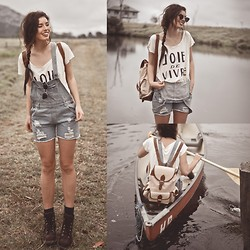 Elle-May Leckenby - Joie De Vivre   T, Sheinside Denim Overalls, Zerouv Vintage Inspired Shades, Cream & Brown Leather Backpack - Come canoeing?