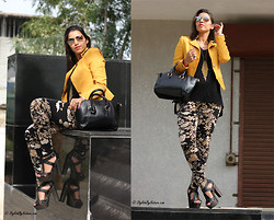 Shalini Chopra - Seekersofstyle Floral Leggings, Slim Fit Blazer, Platform Heels - Floral power this summer