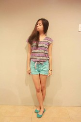 Lea Esguerra - Solemate Flats, Minty Ripped Shorts, Tribal/Aztec Design Top - I need this