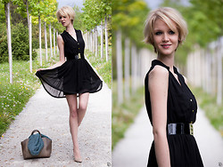 Oriana M. - H&M Dress, H&M Stretch Belt, Histoire De Plaire Studded Bag - New hair, new mood - LBD