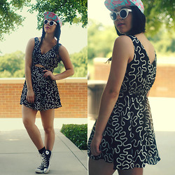 Hope Bidinger - Converse Shoes, Swaychic Dress, Milkcrate Athletics Flamingo Hat, Gojane Sunnies - Useless Information