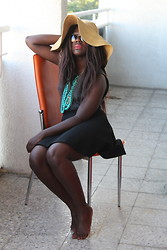 Lois Opoku - Tally Weijl Skirt, H&M Necklace, H&M Hat, H&M Top, Misterspex Sunglasses - BALCONY SUMMER