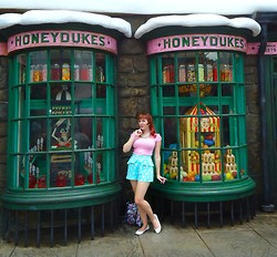 Lilly Pink - Forever 21 Milkshake Print Peplum Shorts, Pink Shirt, Candy Button Necklace, White Flats, Honeydukes - Harry Potter World!