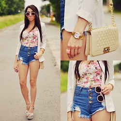 Pam S - Sheinside Corset, Sheinside Shorts - Floral & denim