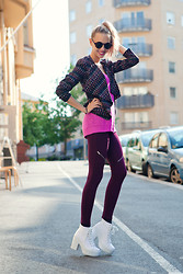 Martina M. - Bikbok Leggings, Topshop Shoes - Feeling Pre-Fall!