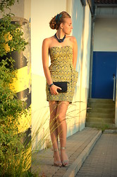 Jessica N. - Armani Exchange Dress, H&M Glitter Heels, Vintage Bag - Baroque chic