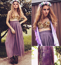 Jessica Christ - The Crystal Bra Limited Gold, Crown & Glory Flowercrown, Chic Wish Maxi Skirt, Hotheart Blouse/Cardigan, Sirenlondon Boots - ♡
