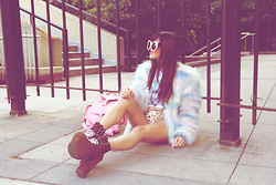 Rachel Lynch - Wildfox Couture Granny Frames, Nasty Gal Sulley Jacket, Tunnel Vision Champagne Lace Shorts, Unif Leopard Hellbounds, Pink Backpack - MONSTER UNIVERSITY