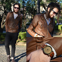 Breno Freitas - R&B Retro Watch With Leather Strap, E&G   Leather Jacket's Brown Jacket - Freedom in a meeting with new friends!