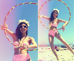 Daniela Escobar - Forever 21 High Waist Bikini, Diy Flower Crown, Feather Hoops Sunrise Hoop, Forever 21 Studded Bracelet - Brought sand to the beach, cause my beach is better.