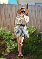 Catie Beatty - Oasap Sunglasses, Oasap Polka Dot Blouse, American Apparel Chiffon Skirt - Polka dot party
