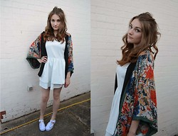 Elizabeth Walton - Zara Kimono, Juju Jellies Shoes, Topshop Denim Dress - Bohemian Heart