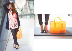 Fhenny Z - Furla Candy Bag, Nine West Black Pumps, Banana Republic Orange Tunic, Landsend Liquid Legging, Zara Black Cardigan, Michael Kors Gold Ring - Tangerine candy