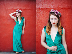 Leta T - 1960s Emerald Green Velvet Gown - A thousand miles behind