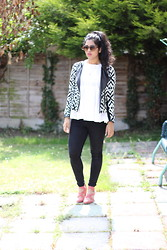 S Z - River Island Aztec Jacket, River Island Embroidered Top, Topshop Joni Jeans, Miss Selfridge Strappy Heels - Black & White