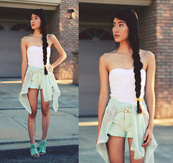 Jennifer Wang - Siren London Bow Hair Tie, Siren London Mint Blouse, Awwdore Mint Denim Shorts, 2020ave Gladiator Sandals - GREAT BARRIER REEF