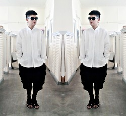 Rei Hontanar - Post Mod Pleated Shirt, Drop Crotch Shorts, Tights, 5cm Sandals, Ray Ban Shades - WHITEWALKER