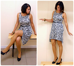 Kristyna XXX - H&M Cotton Dress - Zebra dress