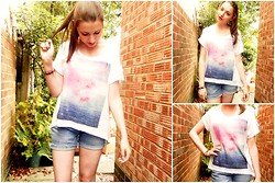 Lucy Amelia - H&M Cosmic T Shirt, Levi's® Levis Shorts - Drops of Jupiter