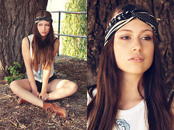Jacky Siren - Vintage Shirt, Sommerkind Boots, Manousche Headband - You Make Me Real