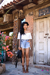 Olivia Lopez - Vanessa Mooney Luminescence Earrings, Vanessa Mooney Point Of No Return Necklace, Vanessa Mooney Indica Cuff, Levi's® Denim Shorts - Rosarito