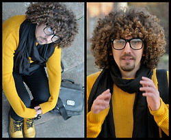 SexPotato . - Diesel Bag, Boots Steel, Bershka Scarf, Sweater Calliope - Yellow submarine