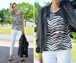 Josefine G - Fabulous Top, Fabulous Jeans - Zebra