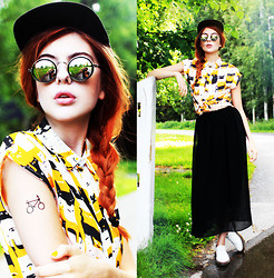 Ebba Zingmark - Romwe Blouse, French Rdv Snapback, Romwe Skirt, Dr Marten Shoes, Romwe Sunnies, Dcer Fake Tattoo - The sun, it rises slowly as you walk