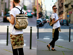 Chaby H. - Vintage White Oversized T Shirt, Adidas Camouflage Cardigan, F&F Espadrilles, Benzol Vintage & Handmade Backpack - Camouflage with backpack