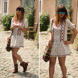 Iris . - Mango Embroidered Dress, Isabel Marant Boots, Ray Ban Sunglasses - LOVELY PLACE