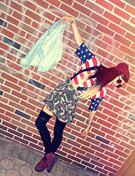 Daniela Escobar - Forever 21 American Flag Crop, Forever 21 Camo Skater Skirt - I'm your national anthem, god you're so handsome.