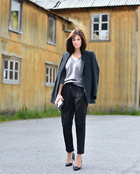 Hedvig ... - Ganni New Leather Trousers, Dries Van Noten Cashmere Sweater, & Other Stories Blazer, Chanel Shoes, Neri Karra Wallet - Up North