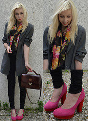 Iggy Stardust - Gerry Weber Coat, Italian Scarf, Graceland Heels - Follow me and I will not desert you