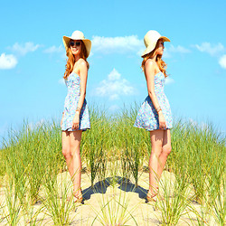 Jennifer P - Urban Outfitters Floral Romper, H&M Heart Sunglasses, Vintage Straw Hat - Beach Daze