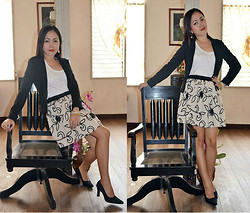 Dalz Salas - Gap Basic Black Blazer, Nine West Pointed Shoes, Guess? Floral Skirt - Corporate Look :)