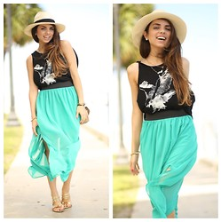 Daniela Ramirez - Furor Moda Aquamarine Maxi Skirt, Molly La Eagle Tank, Shoedazzle Gold Sandals - Casual aquamarine...