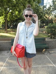 Victorias Run - Diy Shirt, Pull & Bear Shorts, Zara Bag, H&M Sunglasses - Bicolor